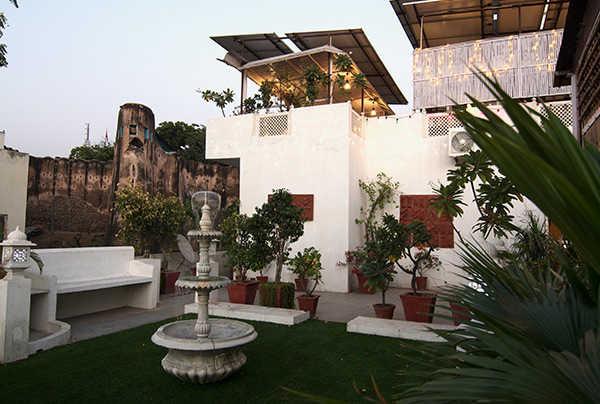 Sun deck and restaurant