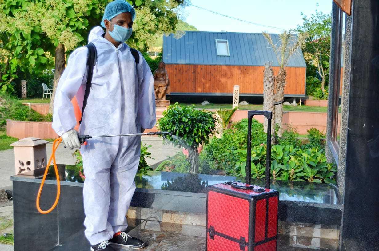 Luggage sanitize