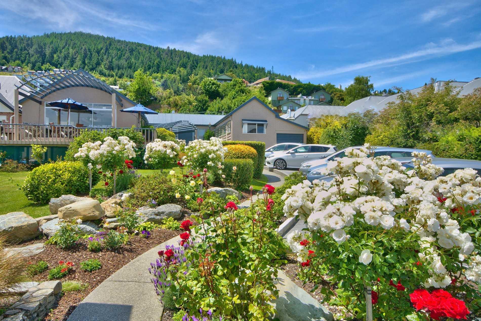 Lodge Lawn