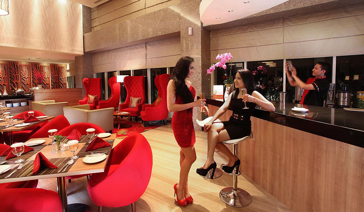 Barelo Bar & Lounge