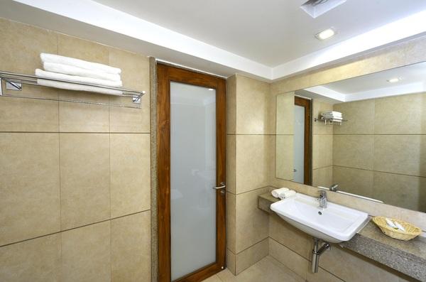 Bathroom / washroom