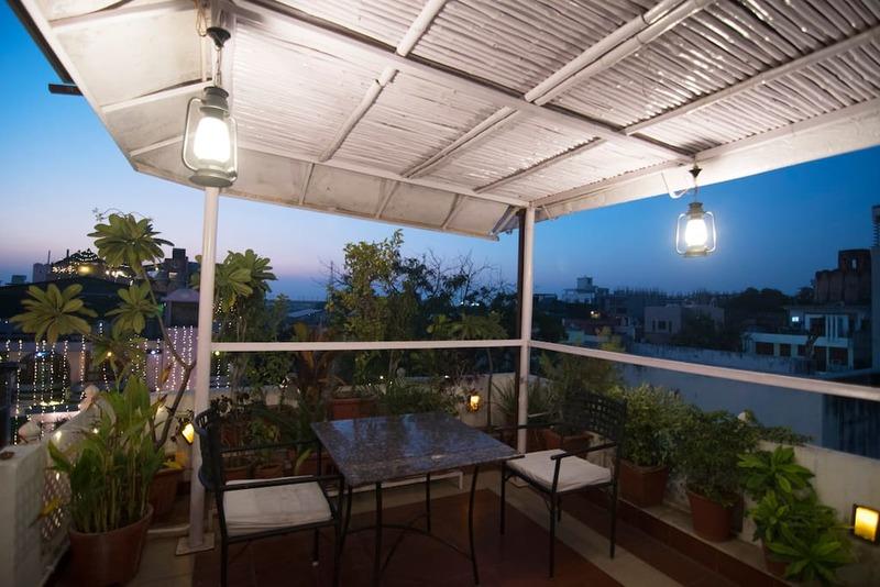 Restaurant Sitting open view