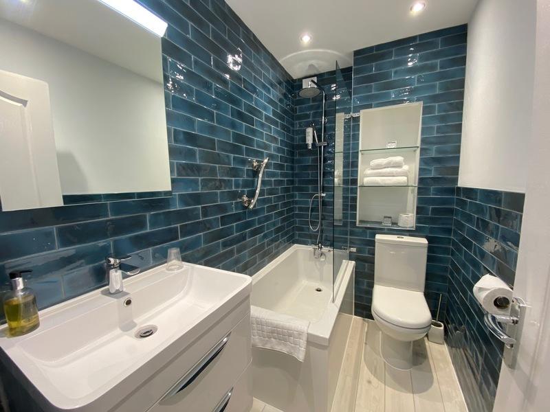 Bathroom walkin shower Suite C